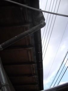 銅板雨樋 腐食 穴