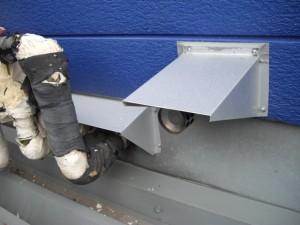 配管類のカバー製作取付