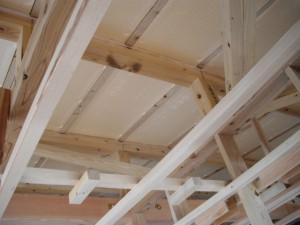 屋根下断熱材
