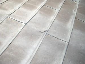 銅板亀裂雨漏り