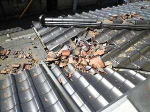 瓦屋根地震被災2