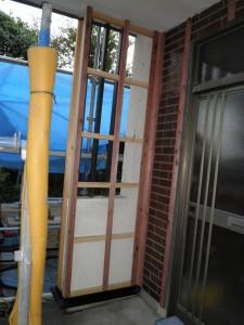 玄関リフォーム工事中