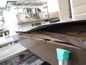 屋根が剥がれた原因