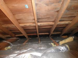 雨漏りの状況(屋根裏)