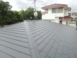 ガルバリウム鋼板屋根への葺き替え完了