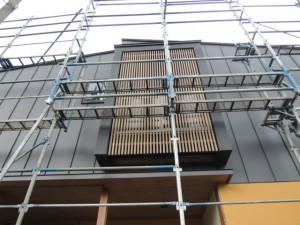 立平葺き外壁の家
