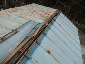 台風被害プレハブ屋根