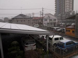 ソーラーパネルの落雪防止