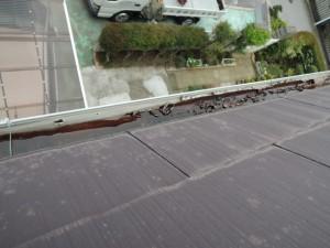 塩ビ鋼板樋における塩ビ層の剥がれ