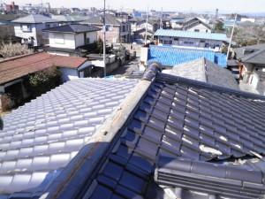 (ビフォーアフター)瓦屋根から地震に強い金属屋根へ