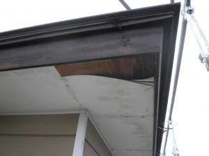 軒裏天井の張替え・・・その前に。