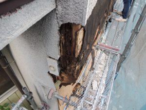 モルタル落下の原因は雨漏り