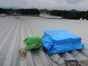 工場屋根上換気扇の雨仕舞