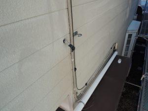 使われていない電線から雨漏り