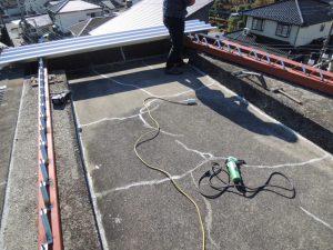 雨漏り修理にリノベーション!屋上に屋根を作る。