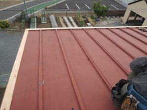 台風被害、屋根の応急処置