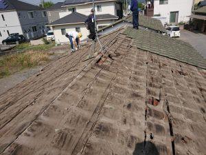 セメント瓦を降ろして金属屋根へ