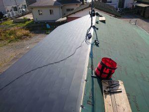 ガルバリウム鋼板屋根葺き